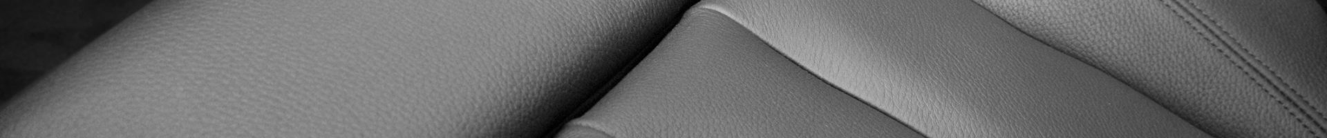 Z jakich materiałów są wykonywane pokrowce do samochodów?